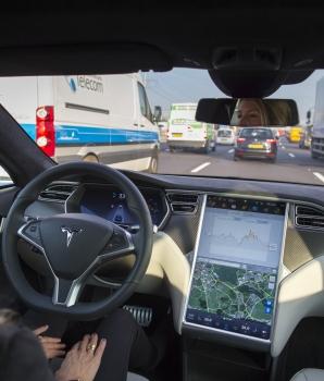 Wijziging wet en regelgeving in verband met autonoom rijden